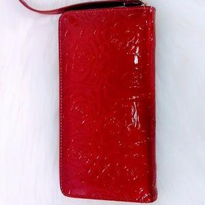 Handbags - 🔖🆕🔖👛Red Rose Vinyl Wallet